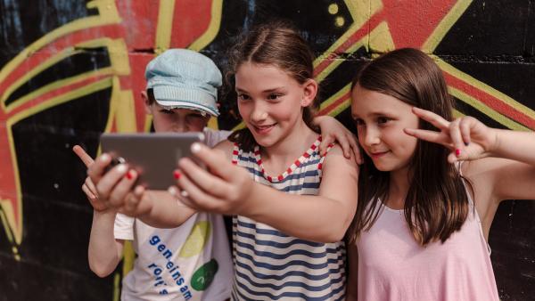 Wie gehe ich im Netz mit Fotos um? | Rechte: KiKA/Mira Mikosch