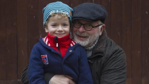 Felix (Piet Eckert) und Opa Karl (Peter Rauch) | Rechte: KiKA/Kinderfilm GmbH 2017