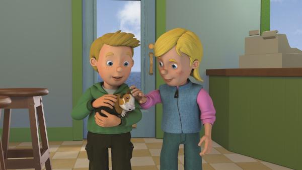 Sarah und James haben ein Meerschweinchen geschenkt bekommen. | Rechte: KiKA/2011 Prism Art & Design Limited
