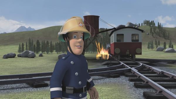 Der Wasserspeicher hat plötzlich Feuer gefangen. Zum Glück ist Feuerwehrmann Sam gleich zur Stelle. | Rechte: KiKA/2011 Prism Art & Design Limited