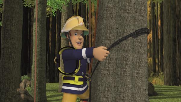 Feuerwehrmann Sam hat das passende Werkzeug dabei.   Rechte: KiKA/2011 Prism Art & Design Limited