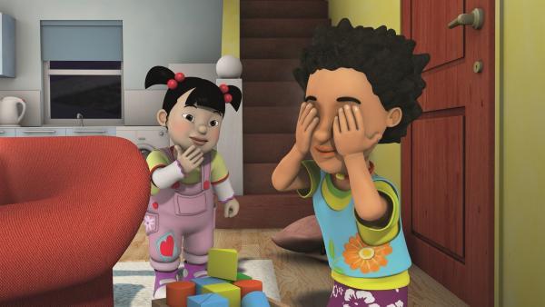 Mandy spielt mit der kleinen Lily. | Rechte: KiKA/2011 Prism Art & Design Limited