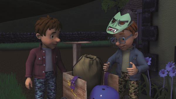 Norman erklärt Trevor seine geniale Halloween-Idee. | Rechte: KiKA/2011 Prism Art & Design Limited