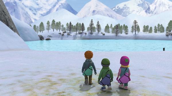 Norman, James und Sarah haben den zugefrorenen See entdeckt. | Rechte: KiKA/2014 Prism Art & Design Limited