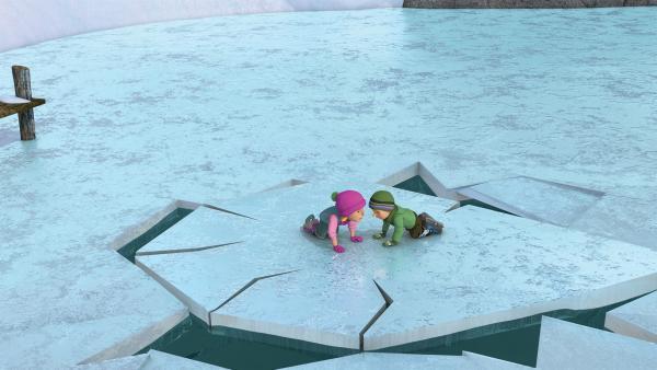 Sarah und James sind auf einer Scholle gefangen. | Rechte: KiKA/2014 Prism Art & Design Limited