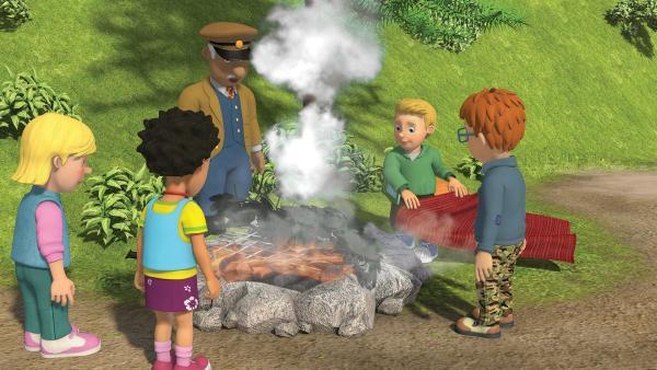 James weiß, dass man mit Rauchwolken ein SOS-Signal senden kann. | Rechte: KiKA/2014 Prism Art & Design Limited