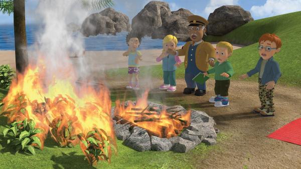 Das Feuer breitet sich auf der Insel aus.   Rechte: KiKA/2014 Prism Art & Design Limited