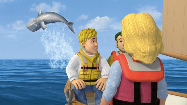 Direkt vor Gwendolyns Augen springt ein Wal aus dem Wasser.   Rechte: KiKA/2014 Prism Art & Design Limited