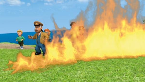 Die Flammenwand breitet sich immer weiter aus.   Rechte: KiKA/2014 Prism Art & Design Limited