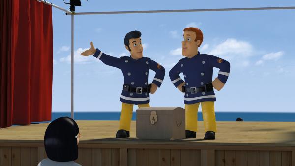 Elvis versucht Feuerwehrmann Sam nützliche Tipps zum Schauspielern zu geben.   Rechte: KiKA/2014 Prism Art & Design Limited