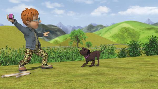 Norman will beweisen, wie gut er mit Hunden umgehen kann. | Rechte: KiKA/Prism Art & Design Limited