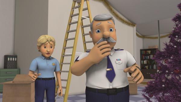 Hauptfeuerwehrmann Steele und Penny sind besorgt, als sie vom drohenden Sturm hören. | Rechte: KiKA/Prism Art & Design Limited
