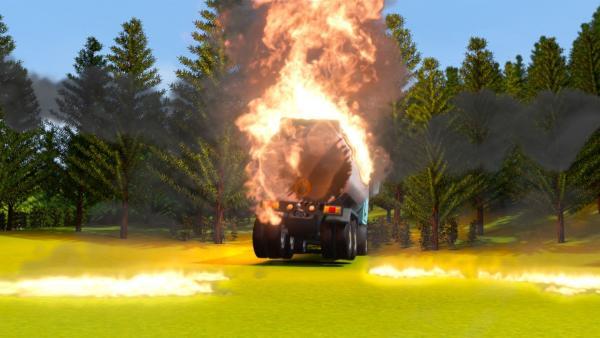 Feuerwehrmann Sam kann in letzter Sekunde einen außer Kontrolle geratenen Öl-Tanklaster zum Stoppen bringen. | Rechte: KiKA/Prism Art & Design Limited