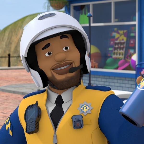 Polizist Malcolm ist neu in Pontypandy. Ab sofort unterstützt er die Feuerwehrleute wo immer er kann. | Rechte: KiKA/Prism Art & Design Limited