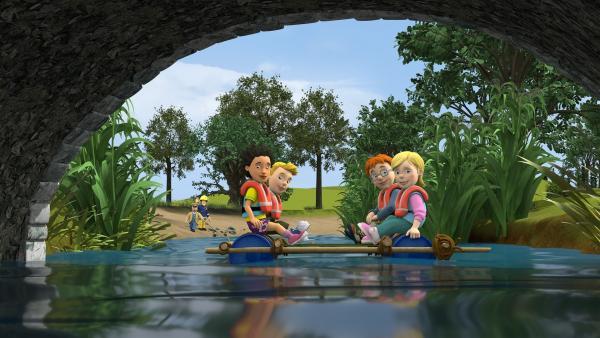 Mandy, Sarah, James und Norman wollen heute ihr Floßbau-Abzeichen bekommen. Ob ihr Floß den Anforderungen genügt? | Rechte: KiKA/Prism Art & Design Limited