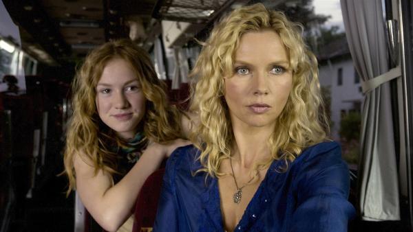 Sprotte (Michelle von Treuberg) und ihre Mutter Sybille (Veronica Ferres). | Rechte: ZDF/Rolf von der Heydt