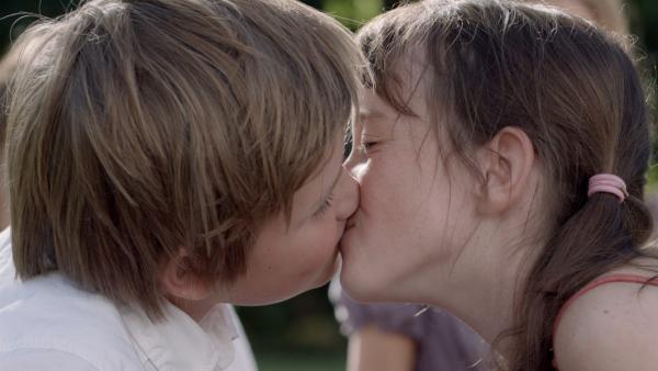 Anne (Maria Annette Tanderø¸ Berglyd) und Philipp (Otto Garli)   Rechte: KiKA/Cinenord Kidstory Prod.