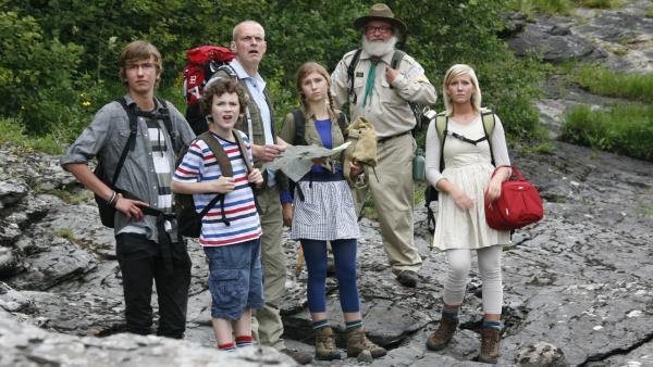 Die Familie sitzt in der Wildnis fest. Wie sollen sie wieder zurück finden? | Rechte: KiKA/ASA Film Production/Scanbox Entertainment
