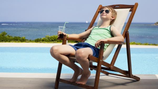 Sönke (William Ringström) genießt den Urlaub. | Rechte: KiKA/Eyeworks Film & TV Drama/Malin Holm
