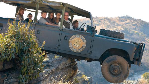 Auf der Safari gerät die Reisegruppe auf Abwege.   Rechte: KiKA/Brett Lefrere