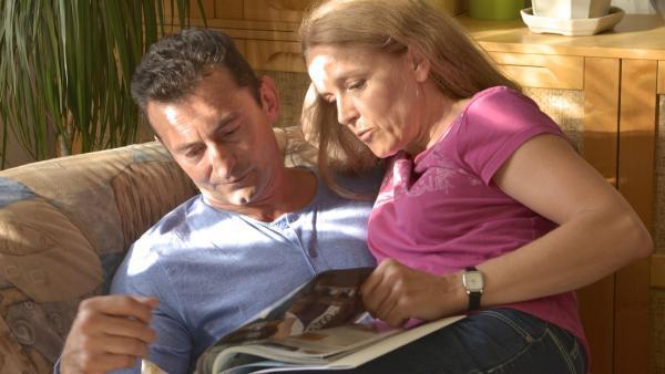 Eigentlich verstehen sich die Eltern von Thomas super. Aber was hat der Vater für ein Geheimnis? | Rechte: SWR/Bio Illusion