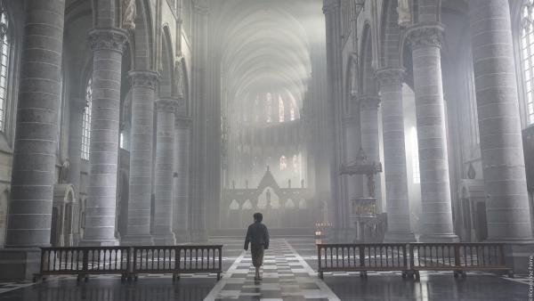 Storm (Davy Gomez) sucht heimlich in der Kathedrale einen Freund, der ihm helfen soll. | Rechte: ZDF/Ricardo Vaz Palma