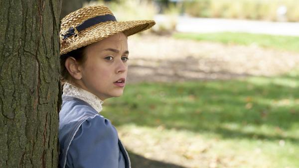Anne (Ella Ballentine) macht sich Sorgen um Matthew und die Zukunft von Green Gables. | Rechte: BR/Palatin Media