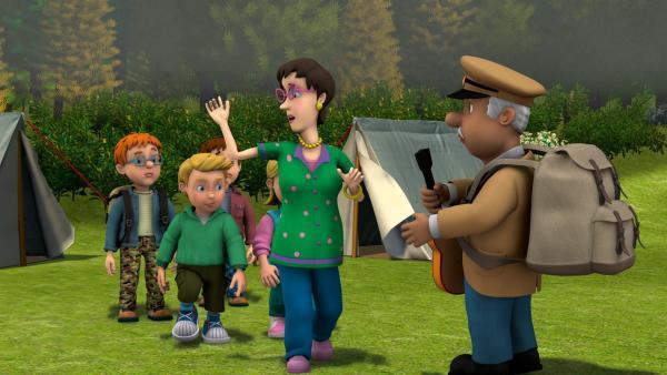 Die Pontypandy Pfadfinder machen mit Trevor Evans und Dilys Price einen Ausflug ins Grüne. | Rechte: KI.KA/HIT Entertainment