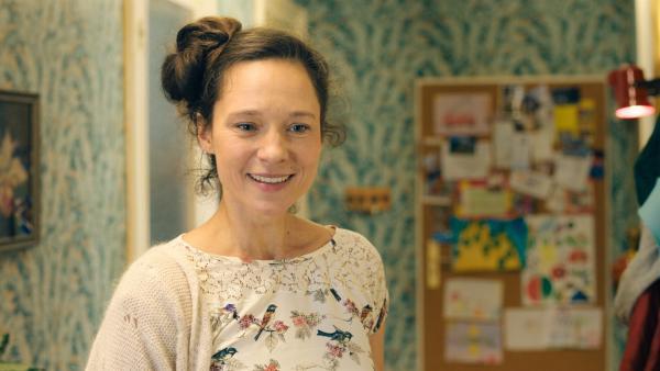 Mattis Mutter Annette (Sabine Timoteo) kann endlich wieder lachen! | Rechte: NDR/Lieblingsfilm/Christine Schröder