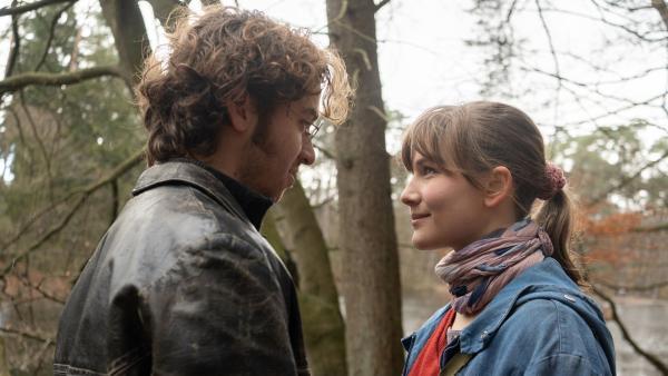 Anna (Lea Freund) und Philipp (Tim Bülow) verlieben sich ineinander. | Rechte: ZDF(/Meike Birck