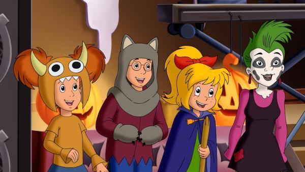 Bibi, Marita, Florian und Schubia freuen sich schon riesig auf die gemeinsame Halloween Feier. | Rechte: ZDF/Kiddinx