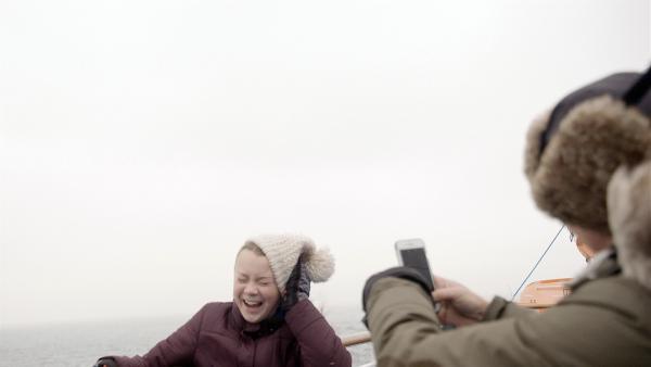 Im Film zeigt Greta auch ihre humorvollen Seiten. Bekannt ist das ruhige Mädchen mit Asperger Syndrom eher für ihre anklagenden Reden und aufrüttelnden Appelle.   Rechte: WDR/B-Reel Films