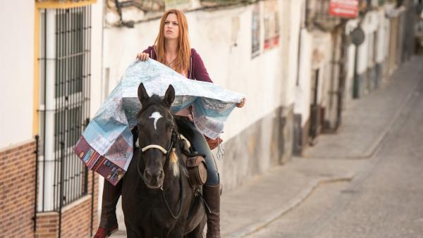 Mika (Hanna Binke) macht sich mit ihrem Hengst Ostwind auf den Weg nach Andalusien. | Rechte: hr/2017 Constantin Film Verleih GmbH/SamFilm GmbH