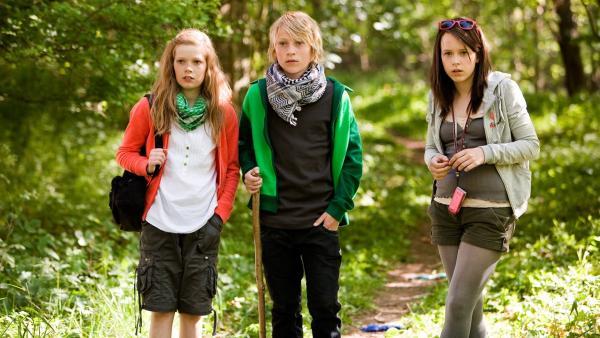 Karla (Elena Arndt-Jensen, li.), Jonas (Joshua Berman) und Katrine (Nanna Finding, re.) machen eine ungeheuerliche Entdeckung. | Rechte: KiKA/Jens Juncker-Jensen
