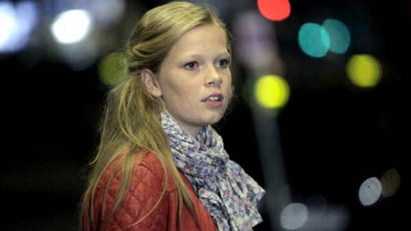 """Karla """"lost"""" in Aarhus.   Rechte: KiKA/DavidBeking"""