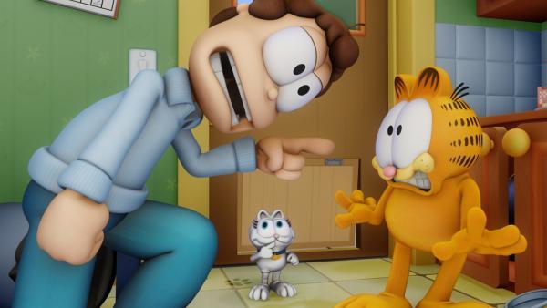 Ein vermeintlich süßes Kätzchen namens Angel wird von Jon aufgenommen und sorgt dafür, dass Garfield in allerhand unschöne Situationen gerät. | Rechte: HR/DARGAUD MEDIA