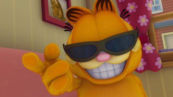 Garfield schlägt Sir Leo vor, eine Zeit lang für ihn einzuspringen, schließlich sehen sich er und der große Star zum Verwechseln ähnlich.   Rechte: HR/DARGAUD MEDIA