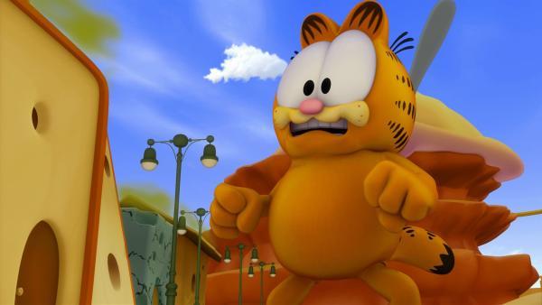 Die Mäuse sind begeistert von einem Vergnügungspark, der vollständig aus Käse besteht und überreden Garfield, sie dort einzuschmuggeln.   Rechte: HR/DARGAUD MEDIA
