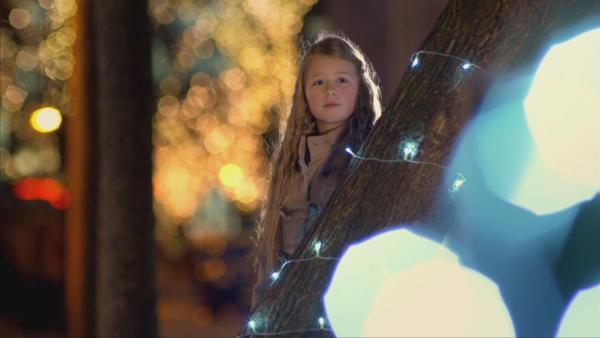 Noch ist sie guter Dinge: Nicky auf dem Weihnachtsmarkt. | Rechte: EBU/SR