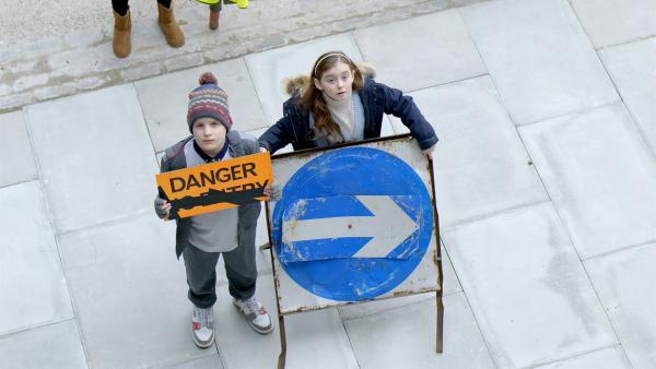 Die elfjährige Guin ist gerade erst in den Wohnblock gezogen. Gar nicht so leicht für sie, von den anderen Kindern akzeptiert zu werden. | Rechte: SR/EBU