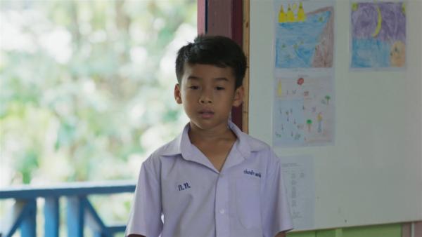 Keng hat das Videospiel seines besten Freundes zerstört - natürlich nicht absichtlich, aber er will es trotzdem nicht zugeben. | Rechte: SR/Thai PBS