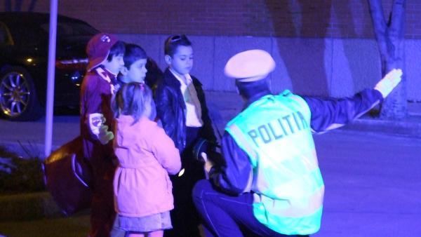 Costia und seine Freunde irren nachts durch die Stadt, um ihr Geheimnis in Sicherheit zu bringen. | Rechte: SR/EBU