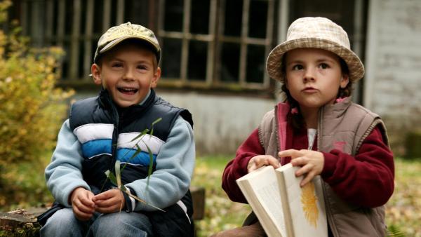 Ein langweiliger Nachmittag im Wald. Marenka (Johana Krticková) und ihr Bruder Jenícek(Michal Hložánek) streifen auf der Suche nach Abenteuern durchs Dickicht, während ihr Vater seltene Vögel beobachtet. | Rechte: SR/EBU