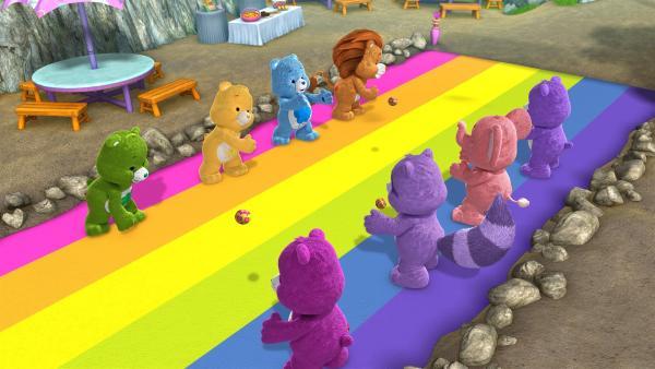 Die Glücksbärchis und Cousins haben sehr viel Spaß bei den Picknickspielen.   Rechte: KiKA/Those Characters From Cleveland