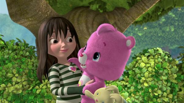Die schüchterne Phoebe mit Wunderherz im Arm | Rechte: KiKA/TCFC