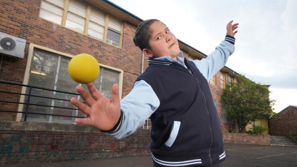 Mickey (Semisi Cheekam) ist ein echtes Handball-Talent, glaubt aber nicht an sich. | Rechte: hr/Northern Pictures 2018