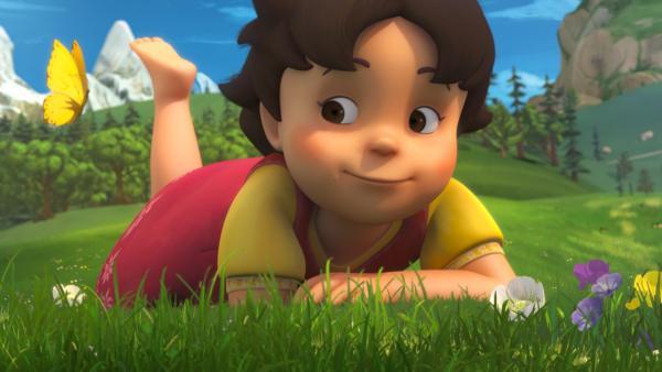 Heidi beobachtet einen Schmetterling. | Rechte: ZDF/Studio 100 Animation/Heidi Productions Pty. Limited