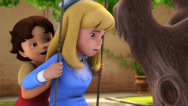 Heidi gibt Clara Anschwung auf der Schaukel. | Rechte: ZDF/Studio 100 Animation/Heidi Productions Pty. Limited