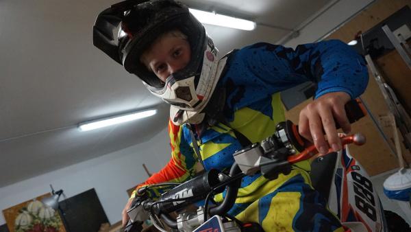Fynn gibt gern Gas – für die HobbyMania muss er zaubern.                     | Rechte: MDR/Martin Reißmann