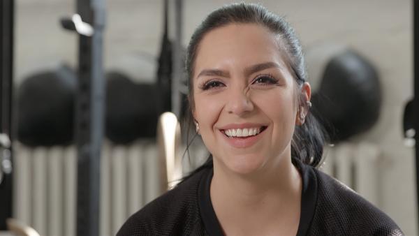 Die KiKA Live Moderatorin Jess nutzt fast jede freie Minute für ihr Hobby CrossFit. | Rechte: MDR/Cine Impuls